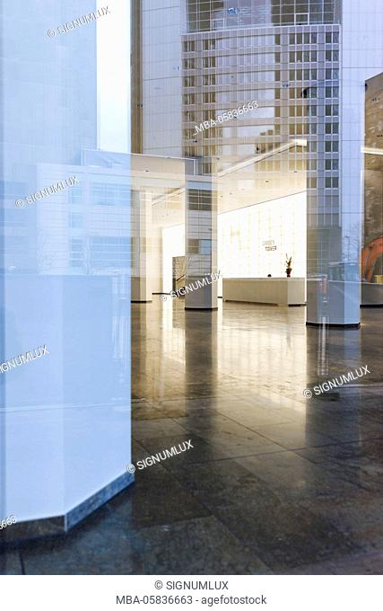 Europe, Germany, Hessia, Frankfurt, financial district, bank tower itself in a glass front reflects