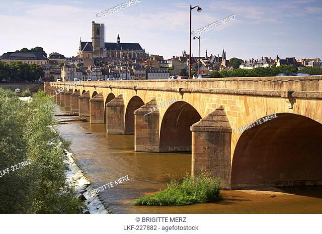 Bridge over the river Loire, Saint Cyr et Sainte Julitte Cathedral in the background, The Way of St. James, Chemins de Saint Jacques, Via Lemovicensis, Nevers