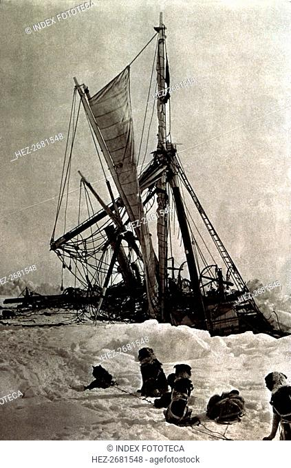 Shackleton Expedition, the ship 'Endurance' imprisoned by the ice is slowly sinking into the Wedd?