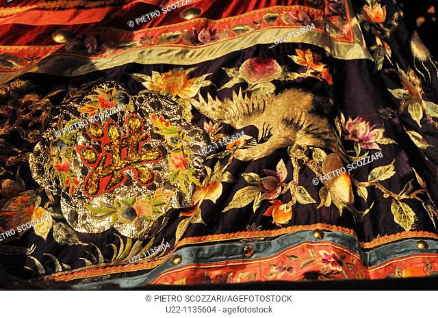 Singapore: Chinese funerary tapestry at the National Museum of Singapore