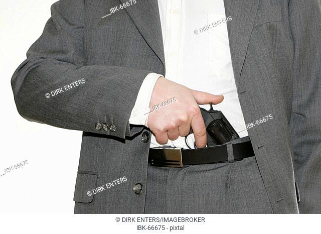 Killer pulls a gun