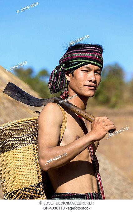 Man in traditional costume, ethnic minority, Pnong, Bunong, Senmonorom, Sen Monorom, Mondulkiri Province, Cambodia