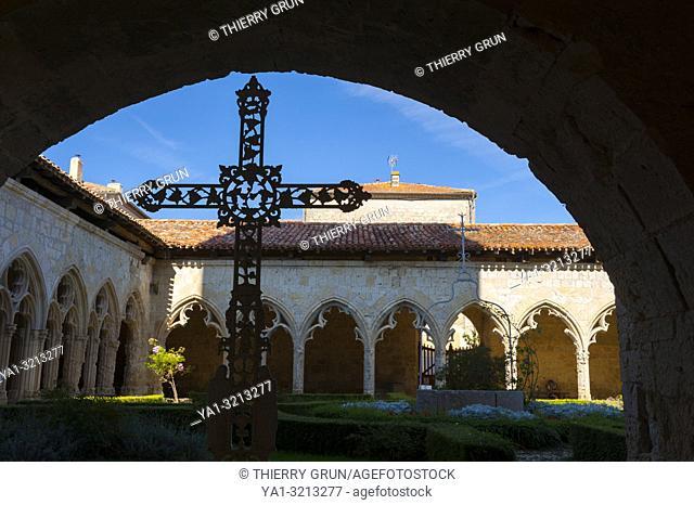 France, Gers (32), village of La Romieu on the way of Saint Jacques de Compostelle, collegiate Saint-Pierre, cloister