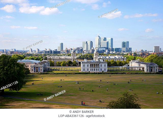 England, London, Greenwich. A view over Greenwich Park to the skyscrapers in Canary Wharf