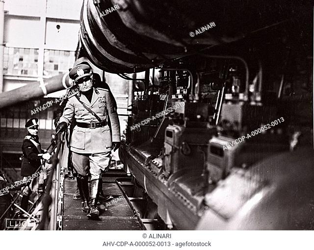 Album The Duce's trip to Trieste: Benito Mussolini (1883-1945) and Achille Starace (1889-1945) visiting a factory in Trieste