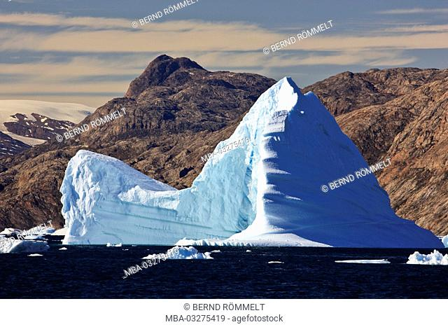 Greenland, East Greenland, Scoresby Sund, icebergs, coastal scenery, mountain landscape