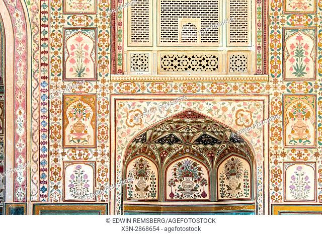 Decorative tiling of the Amer Fort in Jaipur, India