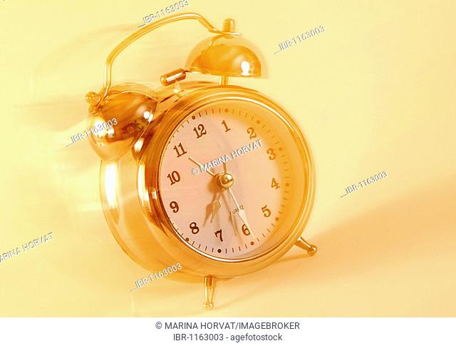 Alarm clock with motion blur
