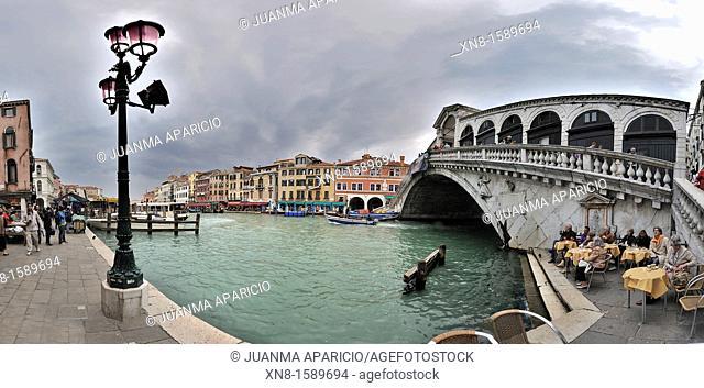 Panoramic view of the Rialto Bridge, Venice