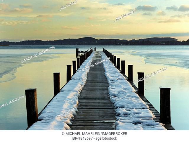 Jetty at sunrise on Lake Woerth in winter, Upper Bavaria, Bavaria, Germany, Europe