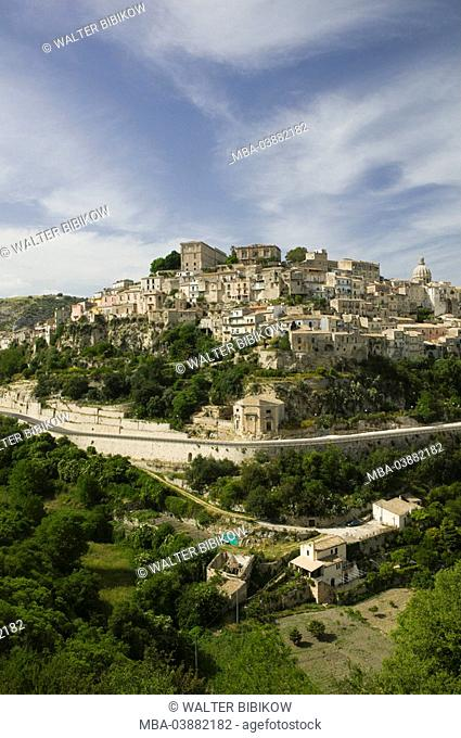 Italy, Sicily, Ragusa Ibla, city view, South-Italy, destination, city, hills, landscape, street, heaven, veil-clouds, summer, outside