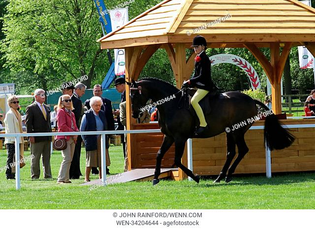 Royal Windsor Horse Show - Day 1 Featuring: Queen Elizabeth II Where: Windsor, United Kingdom When: 09 May 2018 Credit: John Rainford/WENN.com