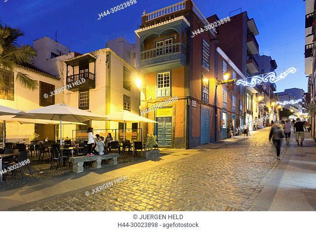 Cafe Habana, Restaurant,Bar, twilight, christmas illumination, Santa Cruz, La Palma, Canary Islands, Spain