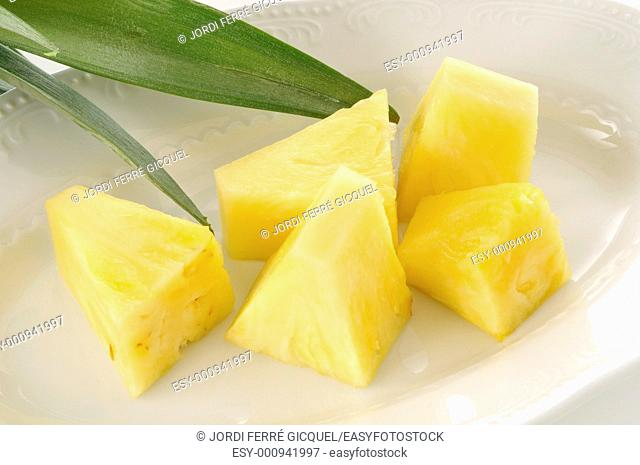 Pineapple chunks on a tray