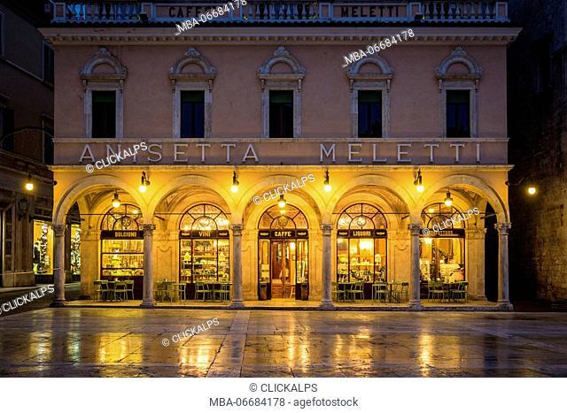 Ascoli Piceno, Marche, Central Italy, Europe. A quiet moment at Caffè Meletti