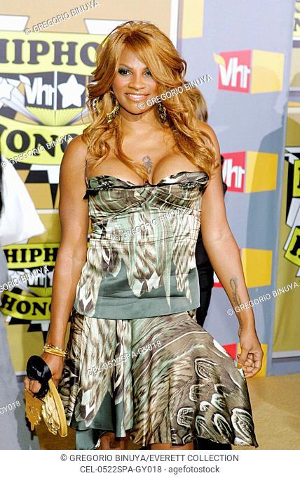 Sandy Pepa Denton at arrivals for VH1 Hip Hop Honors Awards, The Hammerstein Ballroom, New York, NY, September 22, 2005. Photo by: Gregorio Binuya/Everett...
