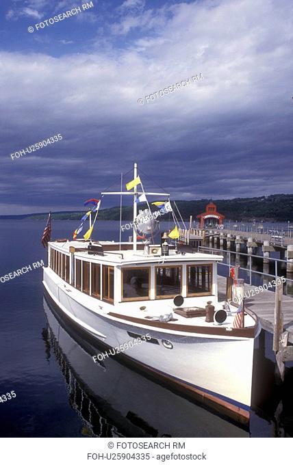 New York, Finger Lakes, Captain Bill's Seneca Lake Cruise, the Stroller IV, sightseeing boat docked at marina on Seneca Lake in Watkins Glen