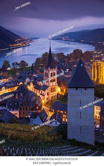 Germany, Rheinland-Pfalz, Bacharach, elevated town view, dusk