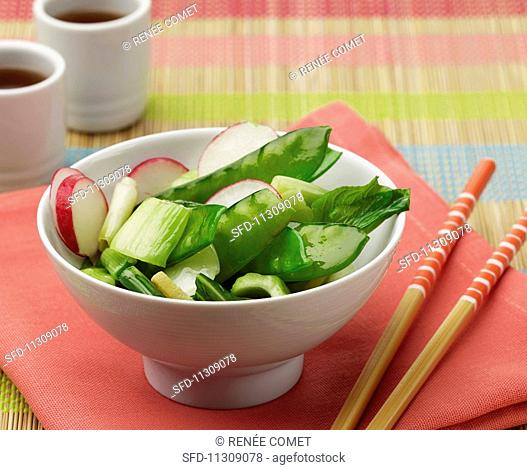 Stir-fried vegetables with ginger and sesame oil (China)