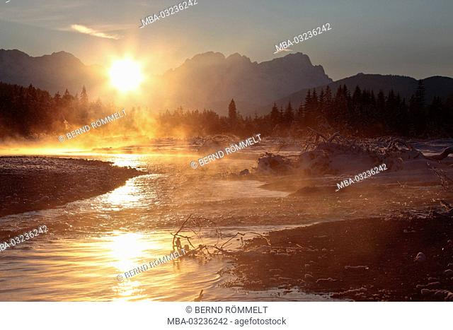 Germany, Bavaria, Upper Bavaria, Isarwinkel, upper Isar, Zugspitze massif