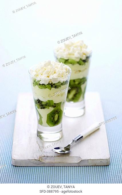 Layered kiwi fruit & mascarpone dessert with crumbled meringue