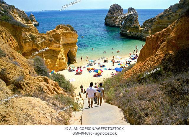 Portugal, Algarve, Lagos, Praia do Camilo (Camilo Beach)