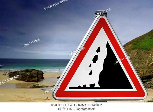 Warning sign, caution falling rocks on the Atlantic beach, Finistere, Brittany, France, Europe, PublicGround