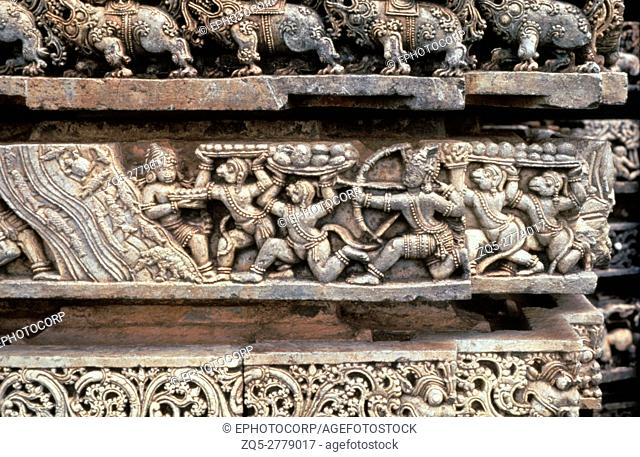 Halebid (India) Kedareshwar temple Ramayana frieze monkey building bridge. Karnataka, India
