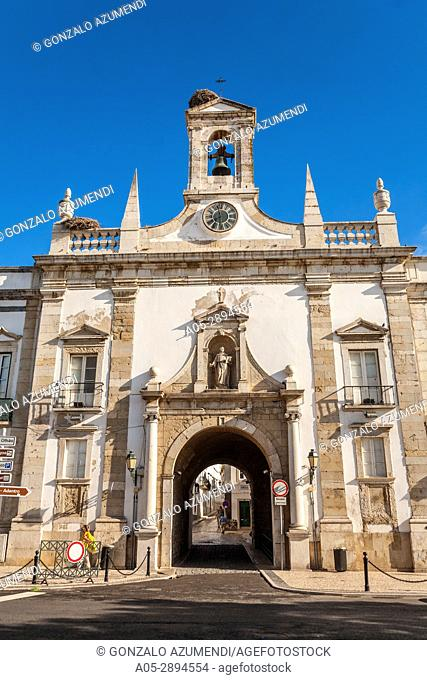 Arco da Vila. Faro. Faro district. Algarve. Portugal