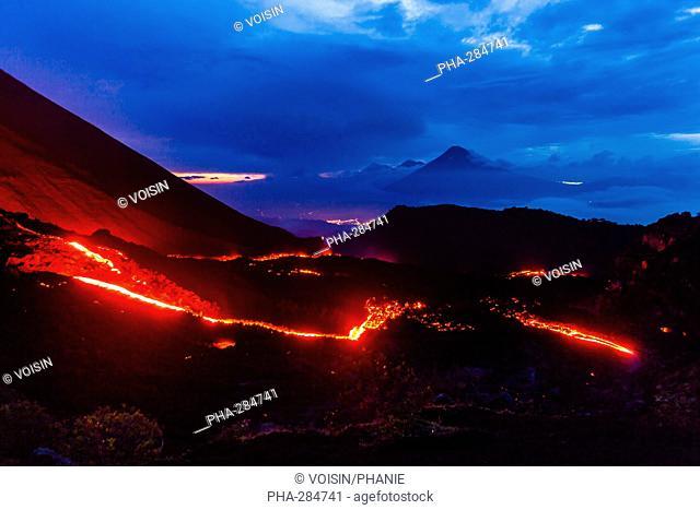 Eruption of the volcano Pacaya, 2 552 m high, near Antigua, Guatemala