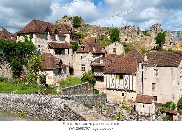 France, Quercy, Lot (46), Saint-Cirq-Lapopie village and back ruins of old fort