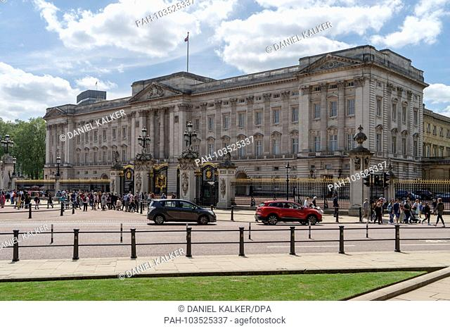 UK: The principal facade of Buckingham Palace in London..Photo from 09. Mai 2018. | usage worldwide. - London/England/United Kingdom of Great Britain and...
