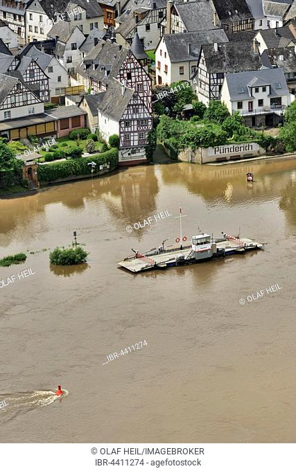 River Moselle, flooded, ferry dock, Pünderich, Rhineland-Palatinate, Germany
