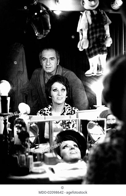 Italian actors and dubbers Antonella Steni and Elio Pandolfi are in the dressing room of the Sistina Theatre where they're playing the comedy Che brutta epoque