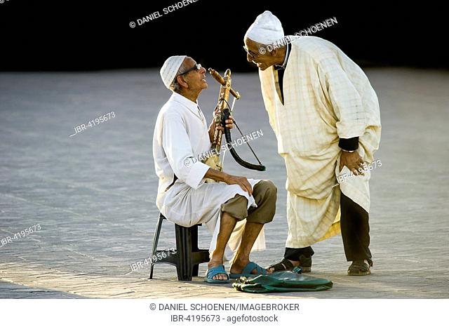 Musicians, Djemaa el Fna square, UNESCO World Heritage Site, Marrakech, Morocco