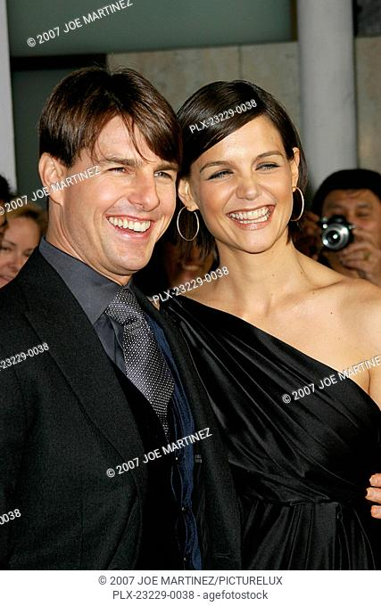 Lions for Lambs (Premiere) Tom Cruise and Katie Holmes 11-1-2007 / ArcLight Hollywood's Cinerama Dome / Los Angeles, CA / United Artists / Photo by Joe Martinez