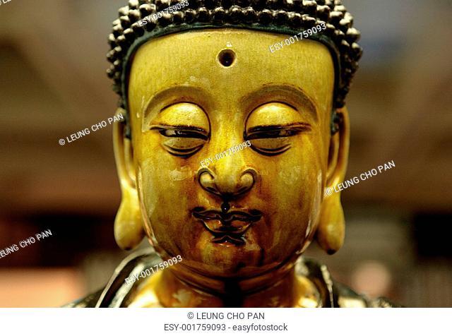 buddha head close up