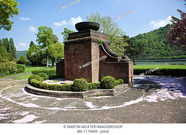 Monument to victims of war and tyranny, Bacharch, Unesco World Heritage Upper Middle Rhine Valley, Bacharach, Rhineland Palatinate, Germany, Europe
