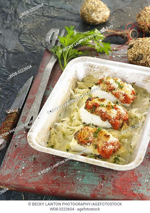 bacalao con coulis de tomates y cebollas / cod with tomatoes and onions coulis