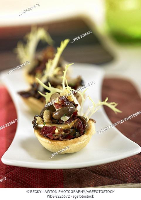tartaleta de setas con jamon iberico / mushroom tartare with iberian ham