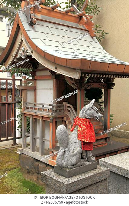 Japan, Osaka, Temmangu Shrine, Inari fox statue,
