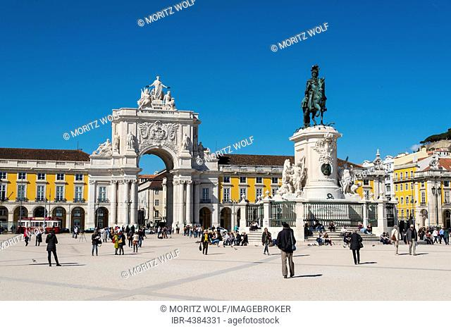 Arco da Vitoria, equestrian statue of King Joseph I at Praça do Comércio, Lisbon, Portugal