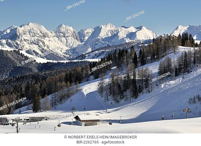 Winter landscape, Steinplatte skiing region, Reit im Winkl, Chiemgau region, border or Bavaria, Germany with Tyrol, Austria, Europe