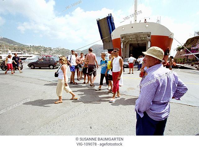 Harbour of the Island of Lipari. - Stromboli, Italy, 22/06/2005