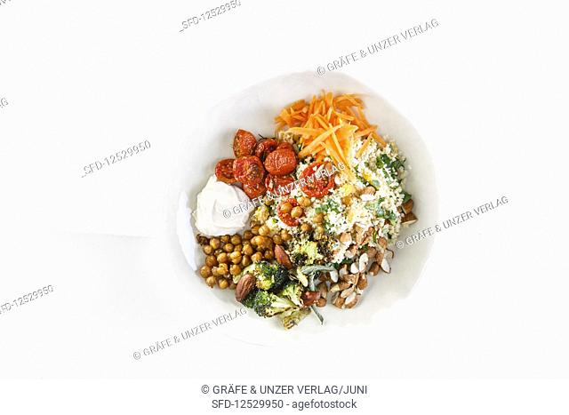 An Oriental bowl with crunchy chickpeas