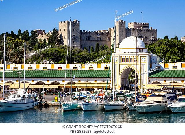 Mandraki Harbour and The Palace Of The Grand Master Of The Knights Of Rhodes, Rhodes Old Town, Rhodes, Greece