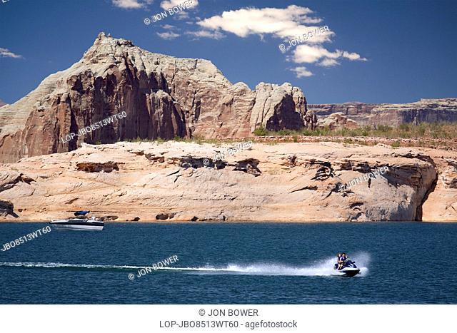 USA, Arizona, Lake Powell. Pleasure boats on Lake Powell