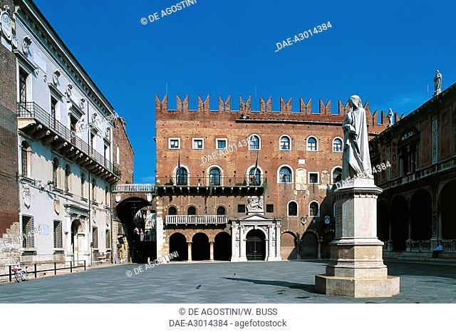 Piazza dei Signori, statue of Dante Alighieri and Podesta' Palace, Verona (UNESCO World Heritage List, 2000), Veneto, Italy