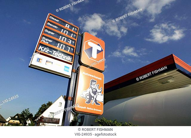 Price tag gasoline gas station Stock Photos and Images   age fotostock