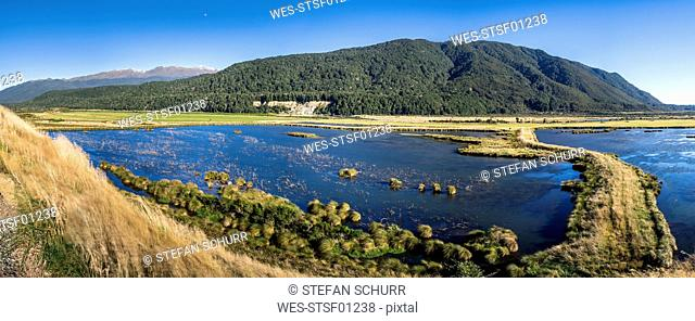 New Zealand, South Island, Southern Scenic Route, Fiordland National Park, Rohata Wetlands